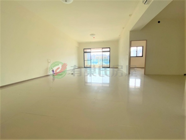 有巢氏新北市買屋-微笑莊園幸福大4房+雙平車照片2