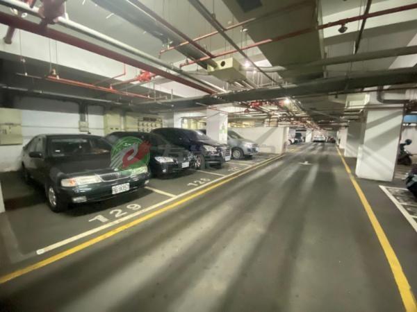 有巢氏台中市買屋-興安商圈~文心凱旋三房+坡道平面車位照片16