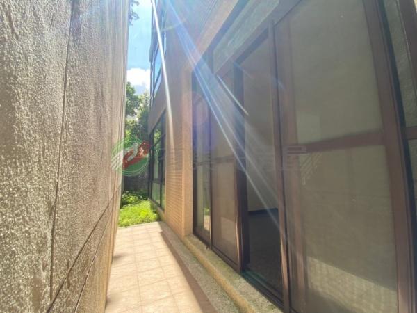 有巢氏南投縣買屋-(實境看屋找房)草屯近親水公園大面寬邊間電梯豪墅照片5