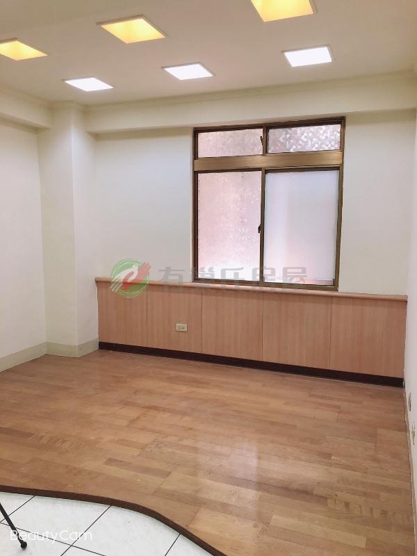 有巢氏新北市買屋-A31-學府電梯三房~邊間~明亮大客廳~房間有窗照片4